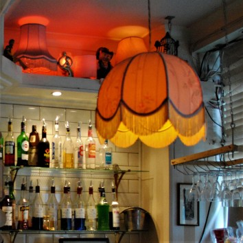 england - london - simmon's bar - lampshade 02