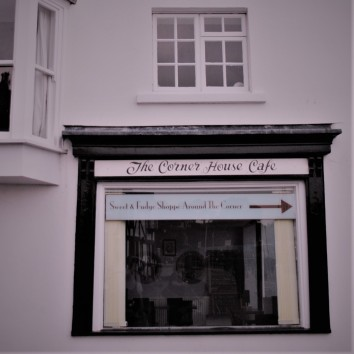 england - watchet - the corner house cafe