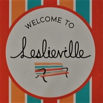 leslieville street banner - queen st e