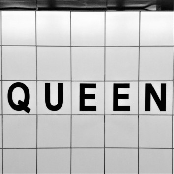 queen subway station