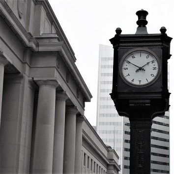 union station clock - front st